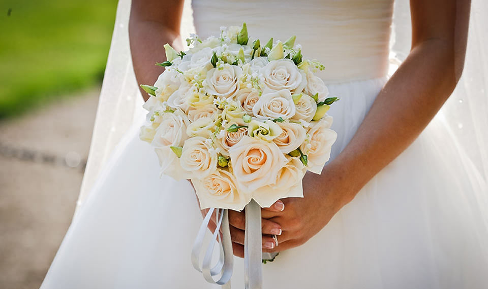 Weddings - Bridal Bouquet and Wedding Party
