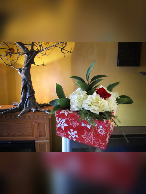 Chistmas Floral Gift Box